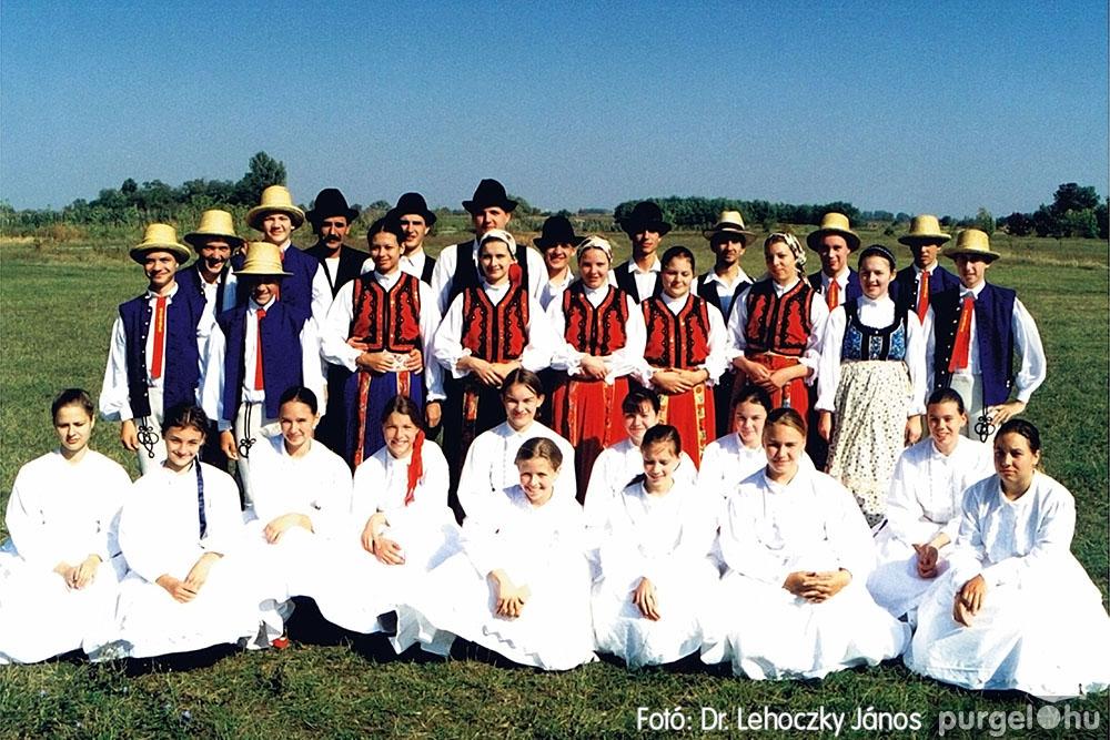 2000. 008 Dobbantó Néptáncegyüttes – Dobbantó08 – Fotó:D